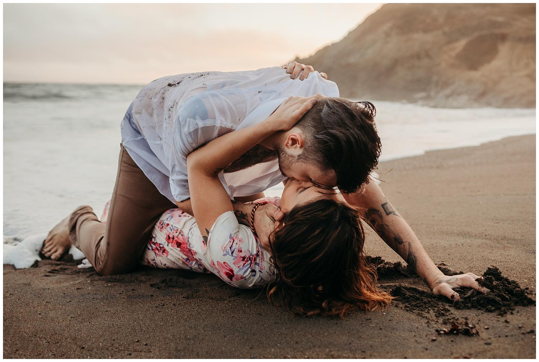 steamy beach couple photoshoot